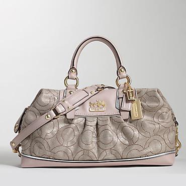 ea8e99ca4a574 حقائب ماركة كوتش 2010 مع أسعارها - عالم حواء