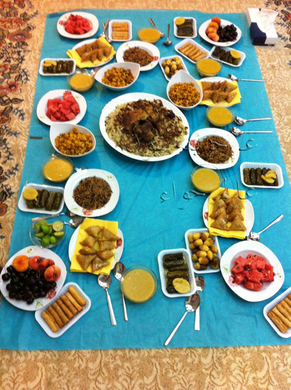 كبح قابل للفوترة ألم المعدة سفرة رمضان بالصور عالم حواء Comertinsaat Com